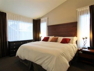 301, 400 Stemwinder-Bedroom 1 2016